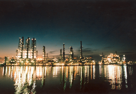 A night photo of the Pascagoula Refinery, Mississippi